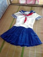 旗袍/有色差,实物是正红色。3z水手服120不包邮。限制和旗袍一样。...